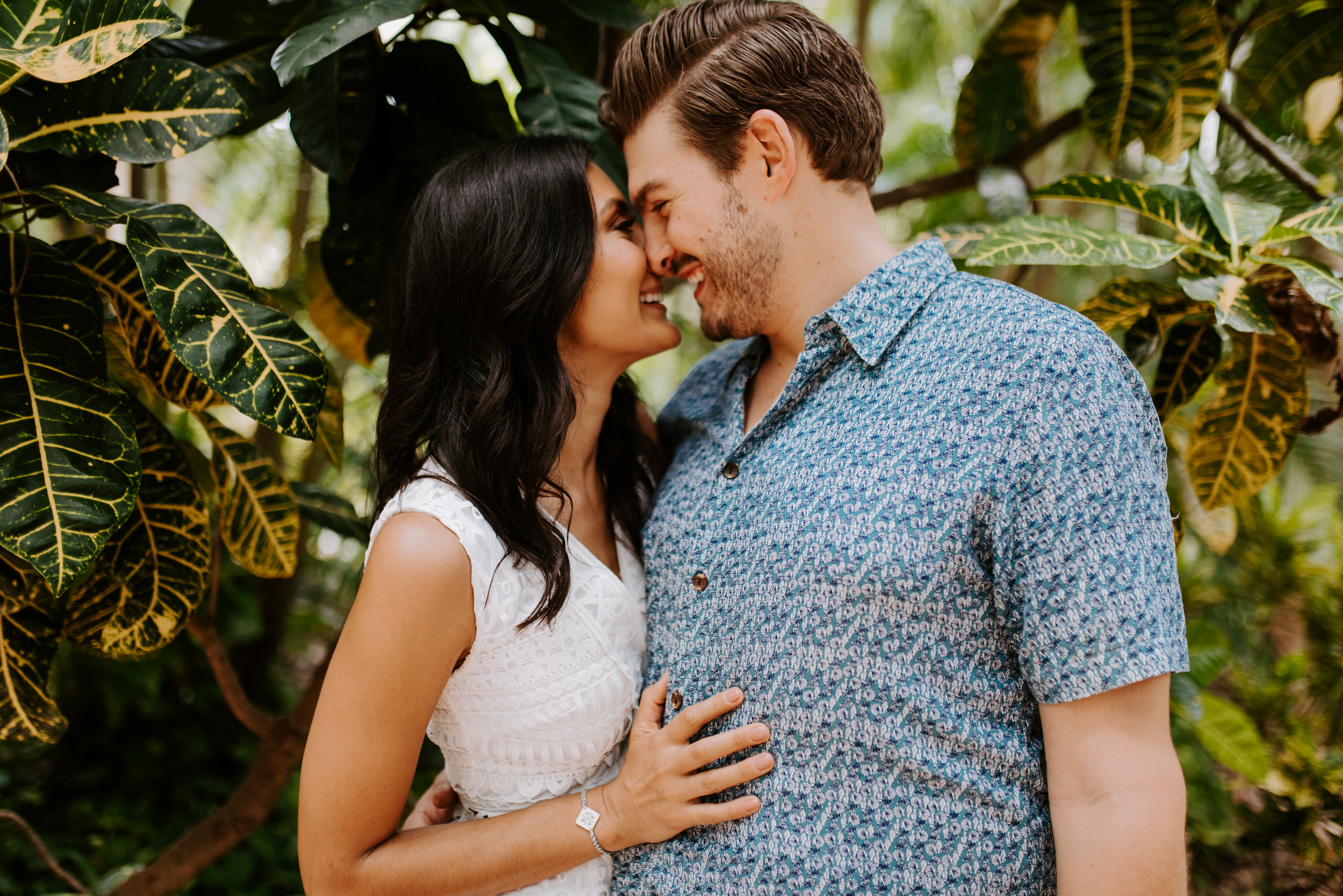 Sunken_Gardens-St_Pete-Allie_+_Eric-Engagement-Native_Expressions-26.jpg