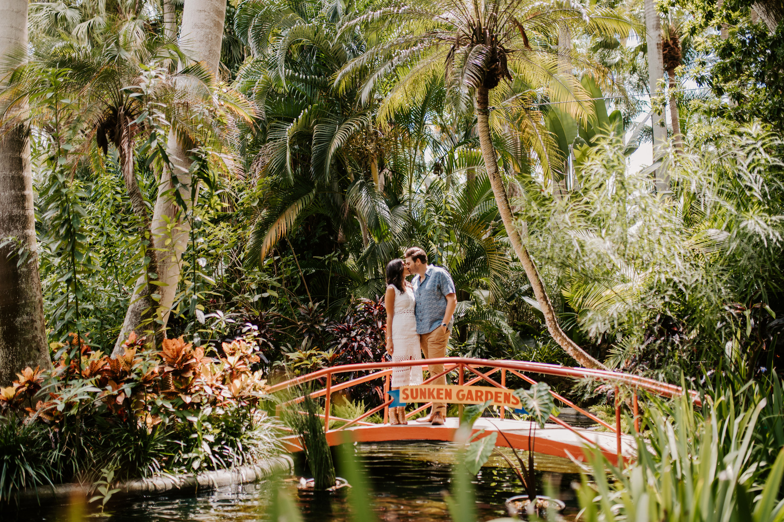 Sunken_Gardens-St_Pete-Allie_+_Eric-Engagement-Native_Expressions-48.jpg