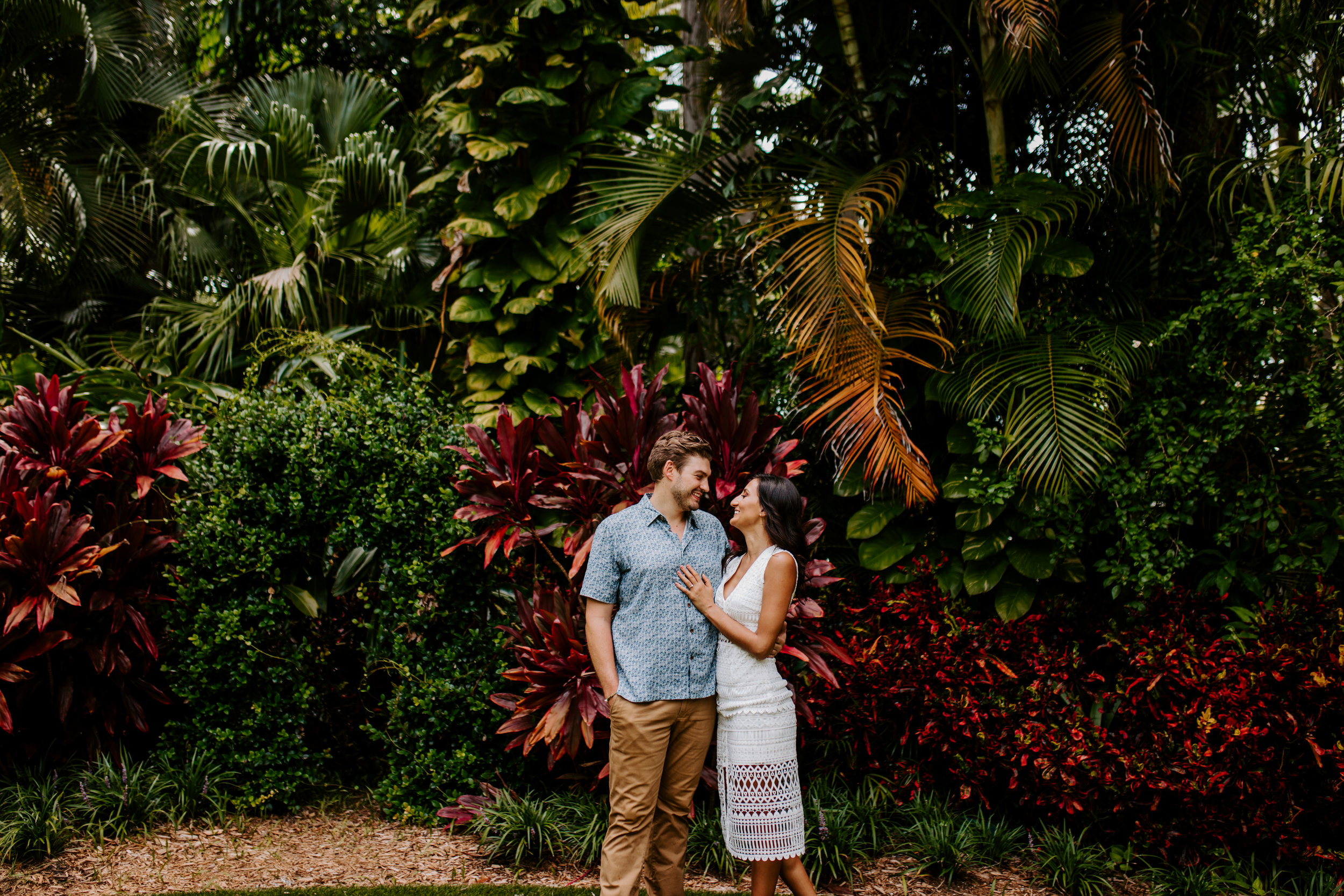Sunken_Gardens-St_Pete-Allie_+_Eric-Engagement-Native_Expressions-79.jpg