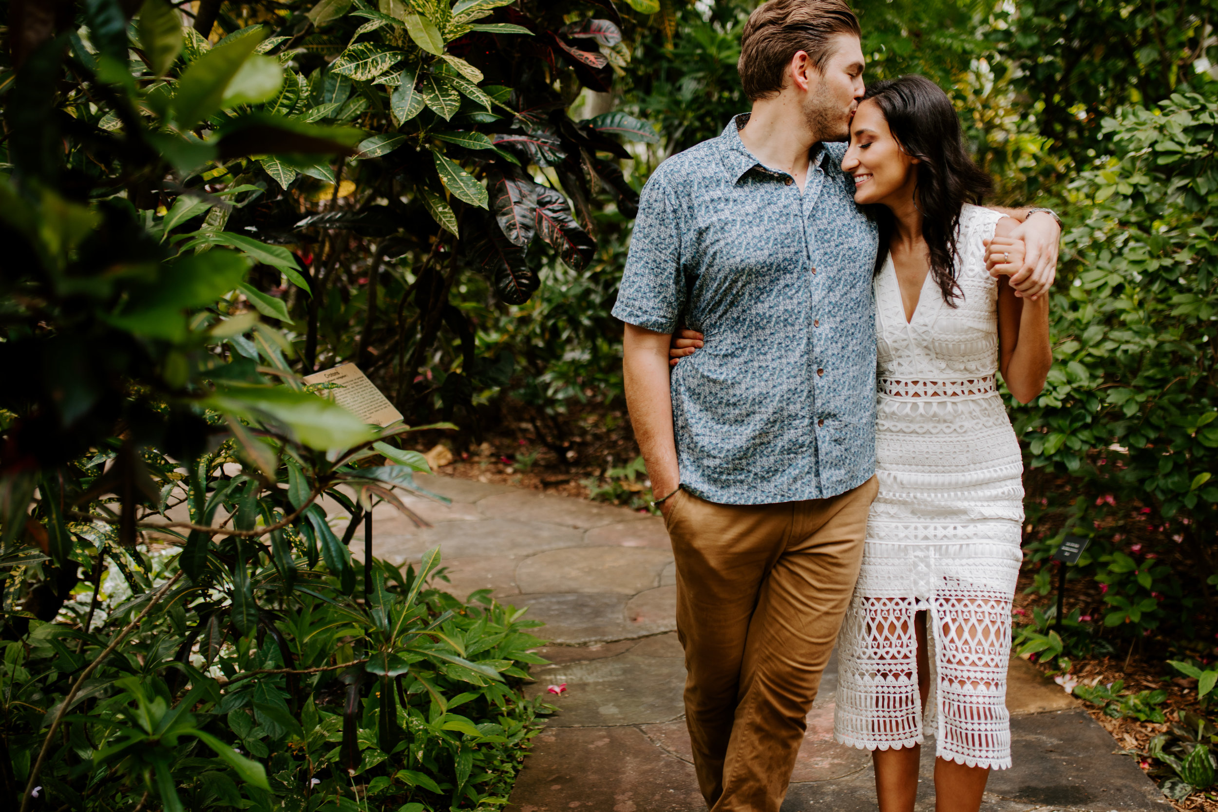 Sunken_Gardens-St_Pete-Allie_+_Eric-Engagement-Native_Expressions-211.jpg
