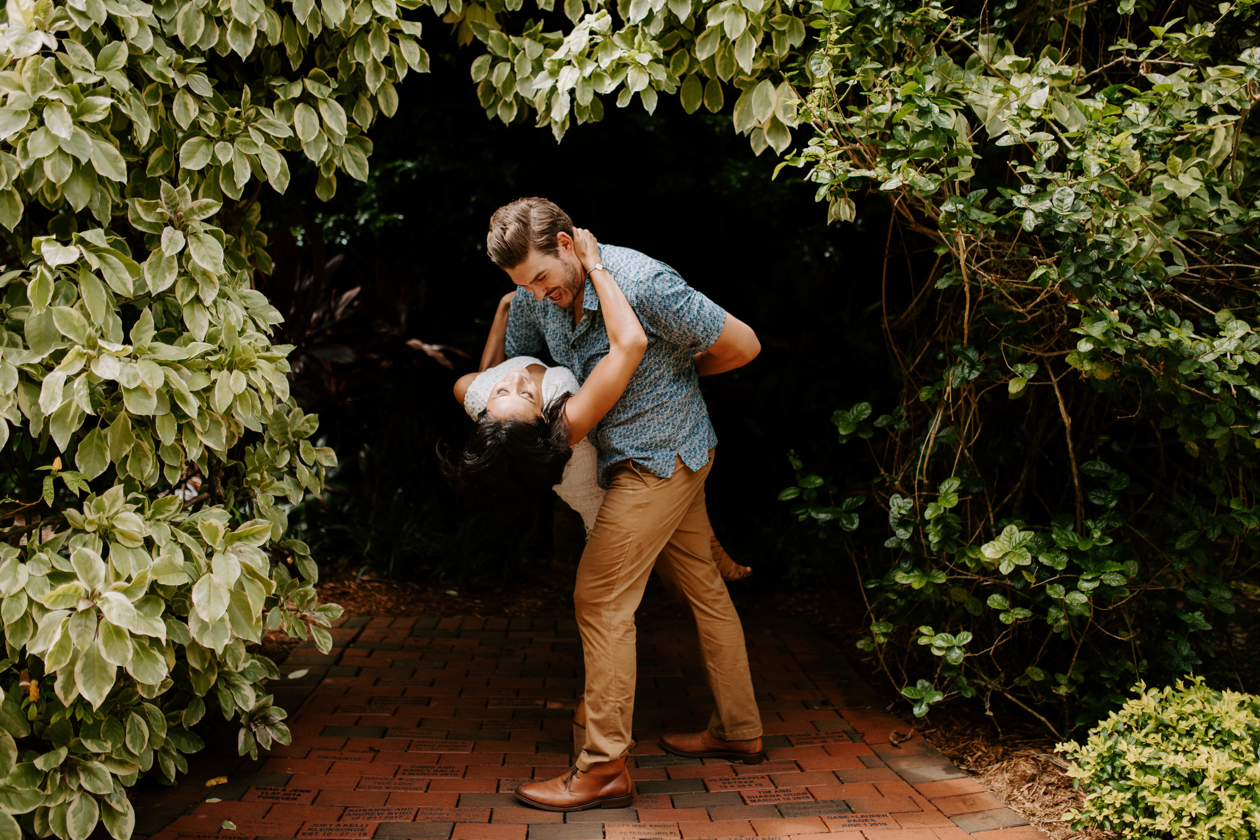 Sunken_Gardens-St_Pete-Allie_+_Eric-Engagement-Native_Expressions-231.jpg