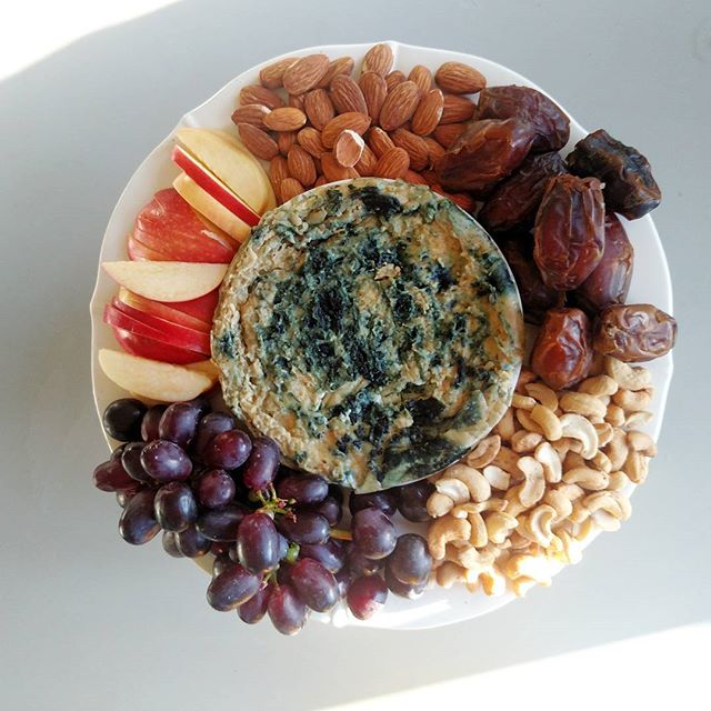Dairy-free B L E U 💙 C H E E S E that is made out of cashews, Irish moss, and spirulina 💙  #vegan fruit and cheese board!  Added some crusty spelt bread and we had a fun picky dinner✨  #plantedfamilies #plantbaseddiet #plantbased #dairyfree does not mean #cheesefree #cheese #nuts #fruit #charcuterie #feed52 #feedfeedvegan #feedfeed #kidsfood #foodrevolution #mumlife #whole30 #wholefoodsonly #homechef #thischeeseisnuts