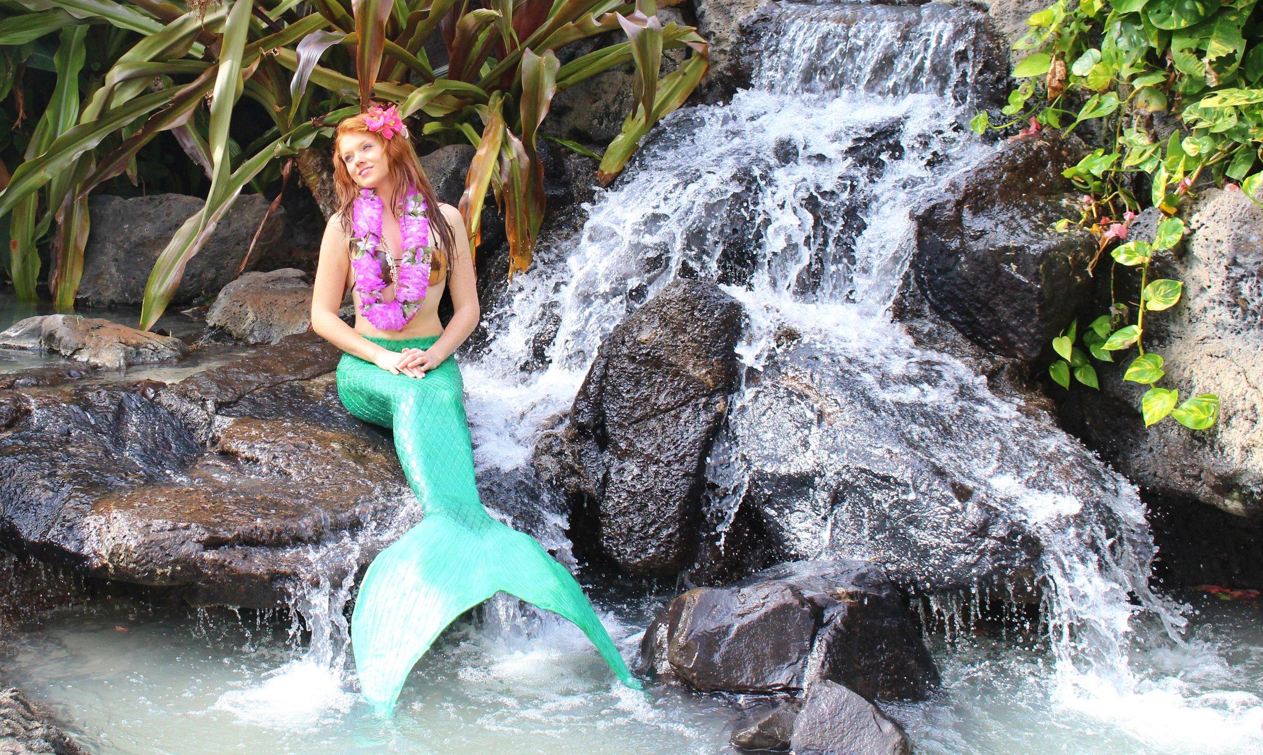 Ariel Fountain Dad Hawaii Finished Edit.jpg