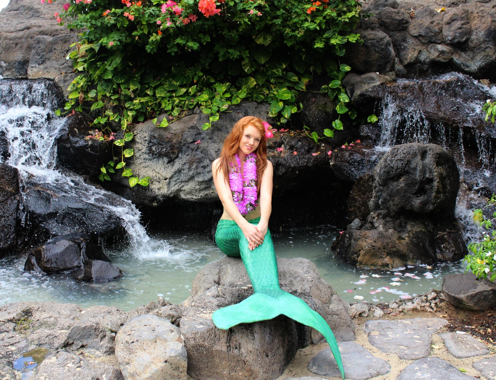 Hawaii fountain mermaid .jpg