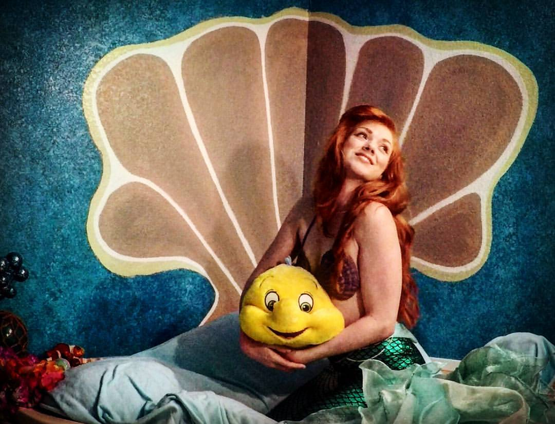 The Little Mermaid's twin sister Leira in her seashell bed