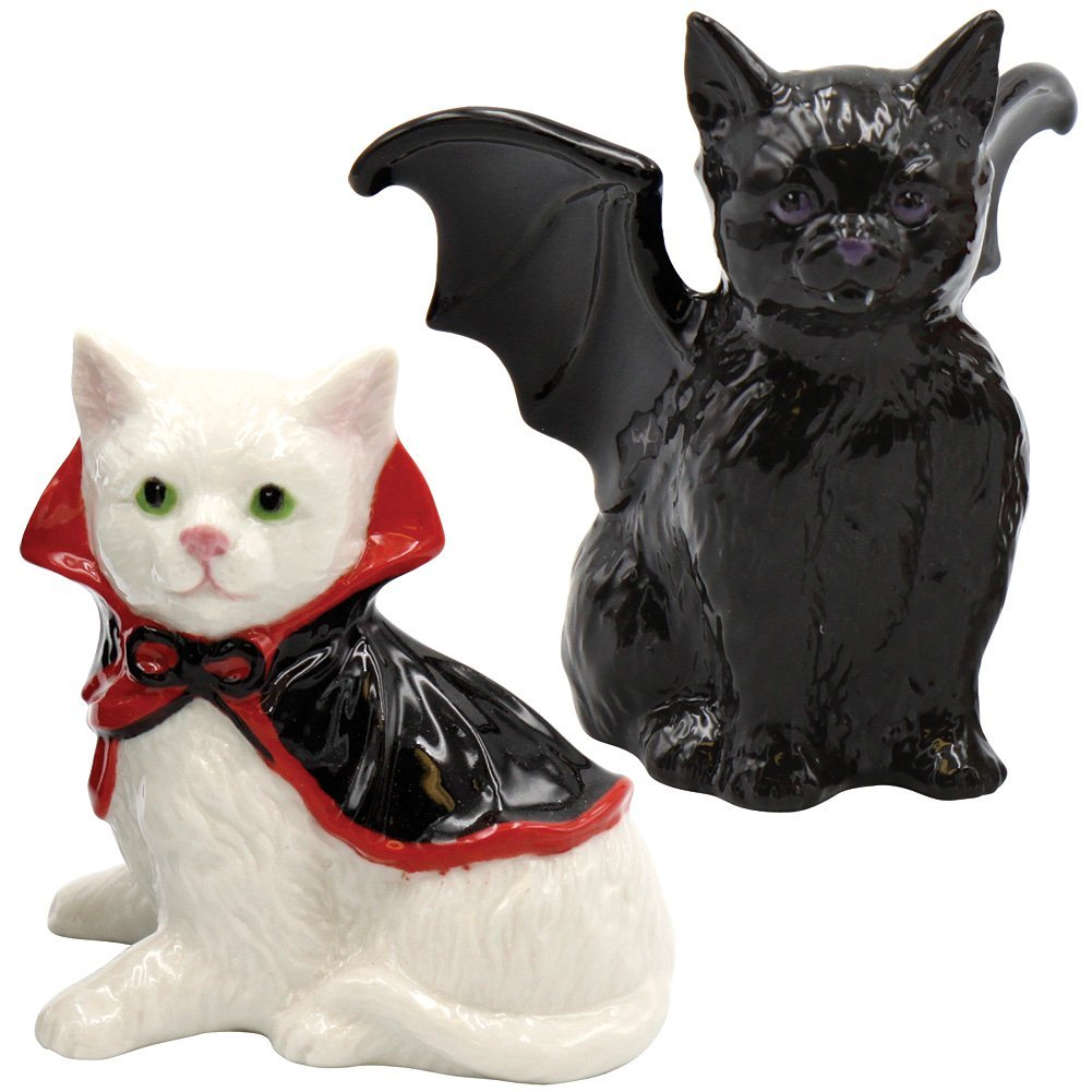 Vampire cats salt and pepper shakers