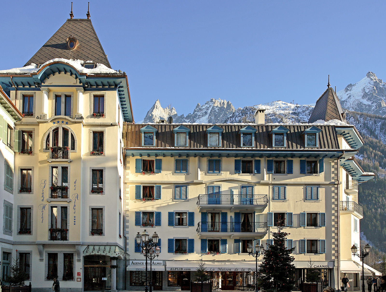 CLASSIC STYLE IN THE CENTER OF CHAMONIX -
