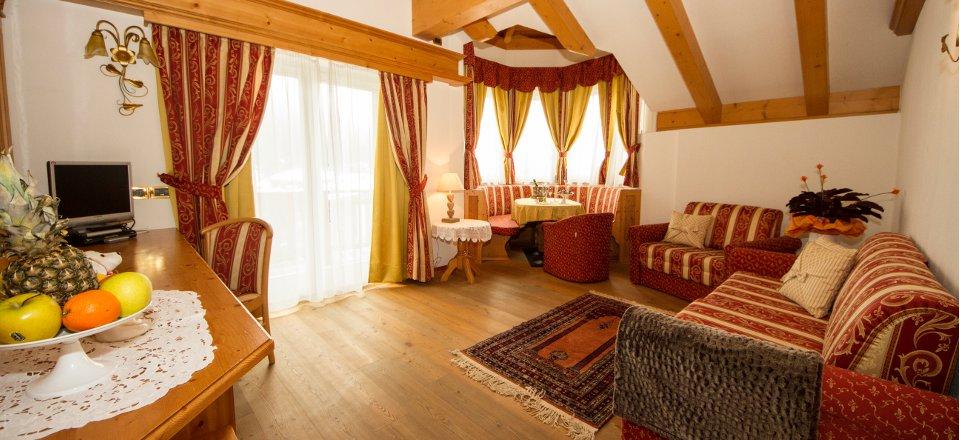 hotelcampiglio_suite_02.jpg