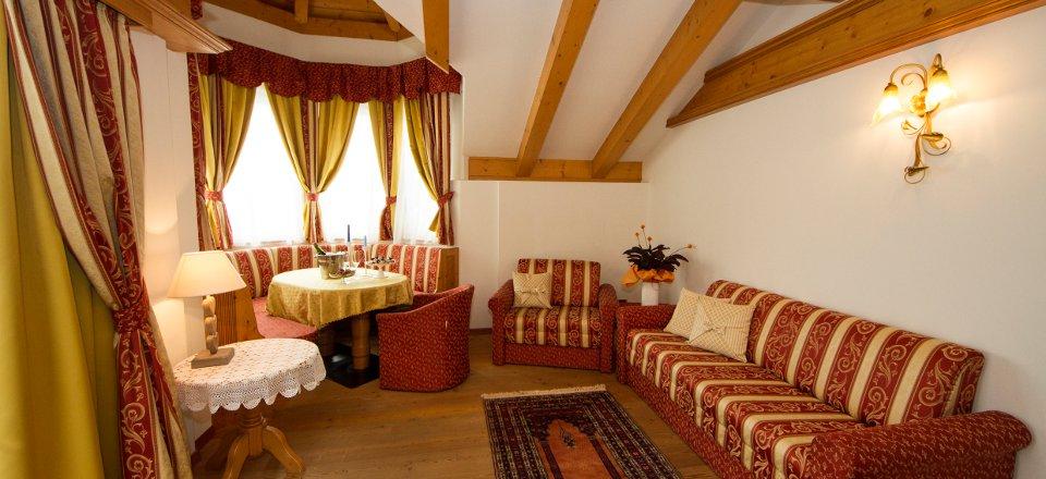 hotelcampiglio_suite_04.jpg