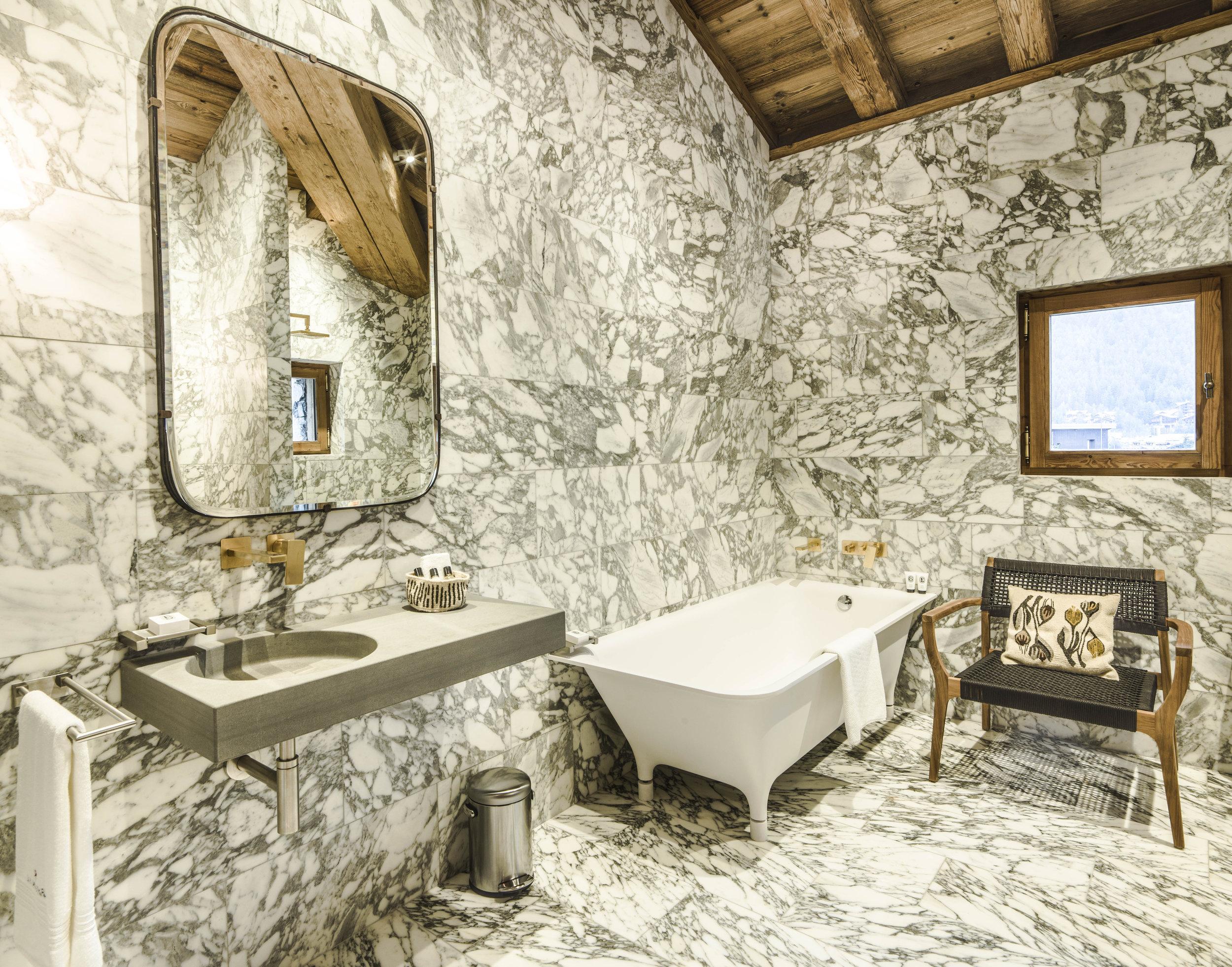 Hôtel Mourra_Junior Suite_67_salle de bains_1.jpg