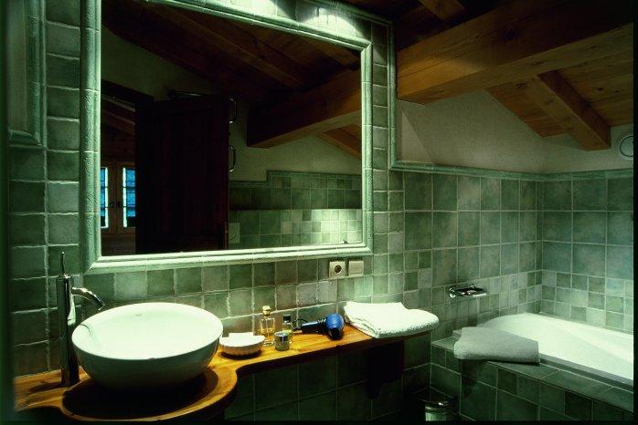 valhalla-bathroom.jpg