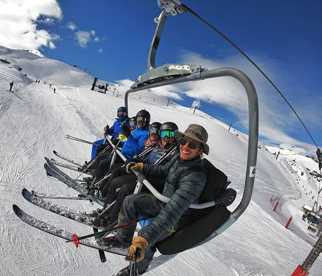 Happy groups and spring outfit! Our clients from South Africa guided by @zorrofreeski on the slopes of @valdisere are enjoying the breathtaking views gently offered by the Alps ❄️💓🌞🎿🤩 . . . . . . #rideyourtime #timetoski #valdisere #traveladdict #instatraveling #earnyourturns #monturapeople #skiing #welcometonature #neverstopexploring