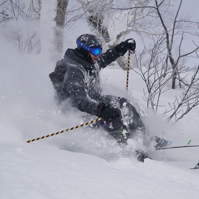 A blast from Japan, when @dema_matt was sneaking through the woods in abundant fresh light powder of extra fine quality! ❄️ Next trips in January 2020, reservations are open and we are starting to build the groups for the next Japow ski trip. Make your enquiry, link in bio. . . . . . . #rideyourtime #japow #japan #furano #powder #skitrip #earnyourturns #monturapeople #traveladdict #travelingram #letsgosomewhere #natureaddict