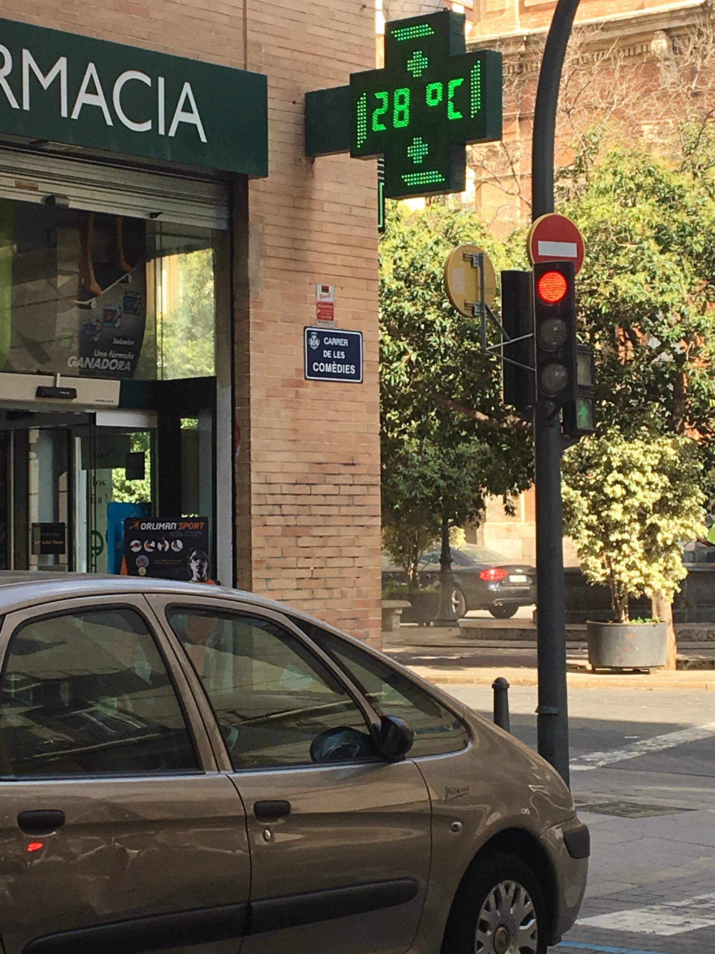 - This shaded digital street display shows Valencia at a balmy 28...