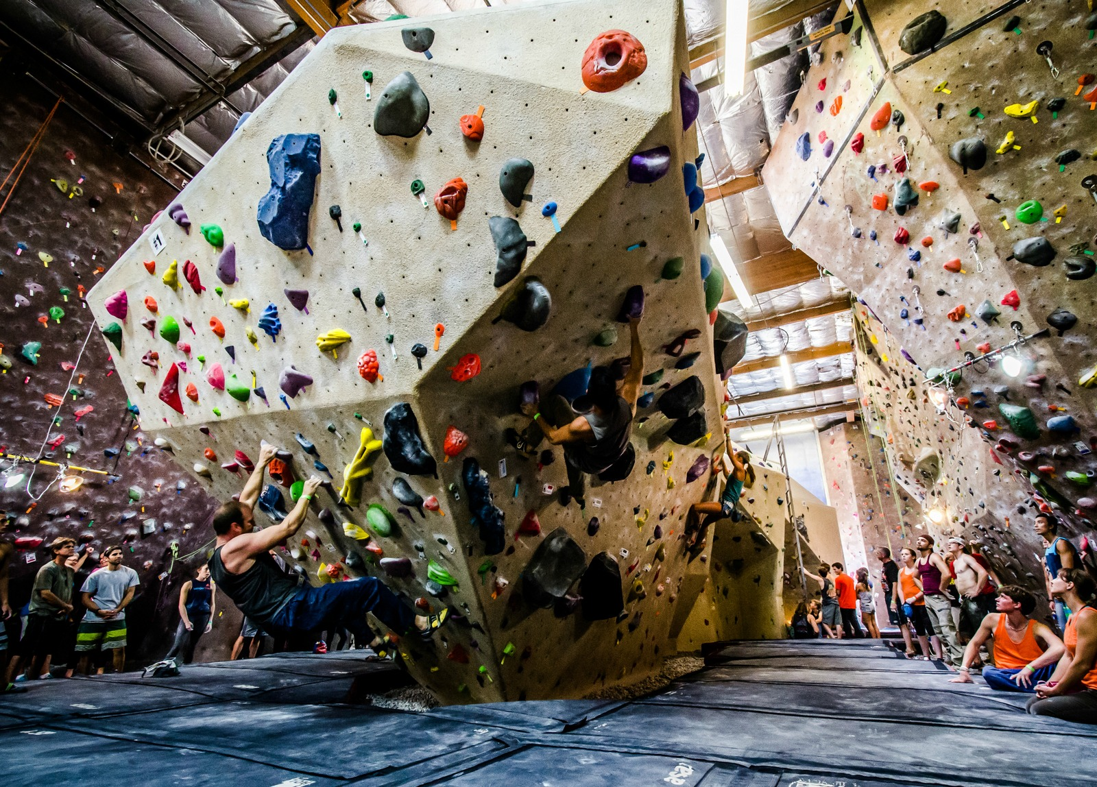 About Us - Vertical Hold Indoor Rock Climbing Gym specializes in the best Bouldering, Top Rope and Lead Climbing in Greater San Diego.