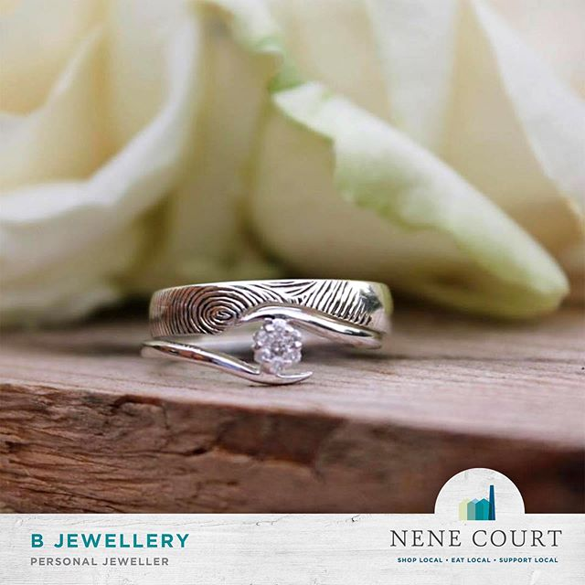 @b.jewellery here at @nenecourtshop can make wedding bands in a bespoke shape and even add a hand engraved finger print too.  SO much talent right here in the courtyard. Pop in & watch!  #Shopping #Wellingborough #NeneCourt #Northamptonshire #Unique #Gifts #Fashion #ShopLocal #local #Kettering #Rushden #Northampton #RushdenLakes #ShoppingVillage #HandMade #SmallBusiness #Start-ups #LocalProducts #Jewellery #WeddingRing #Jeweller #Rings