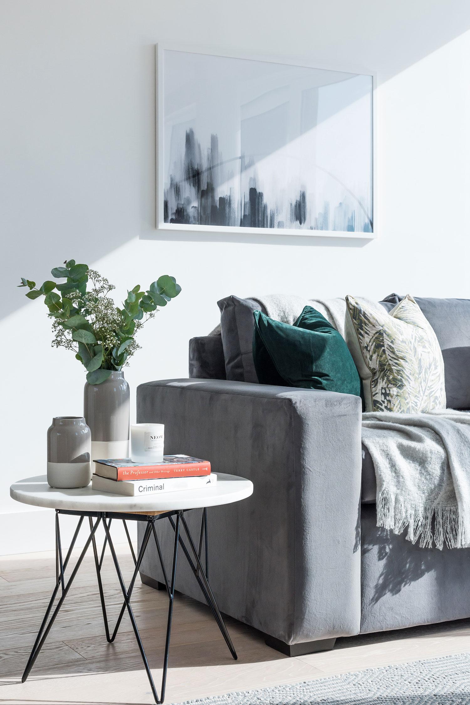 BoxNine7_Fulham_Riverside_003_Living_Room_Entrance_Area_Sitting_Room.jpg