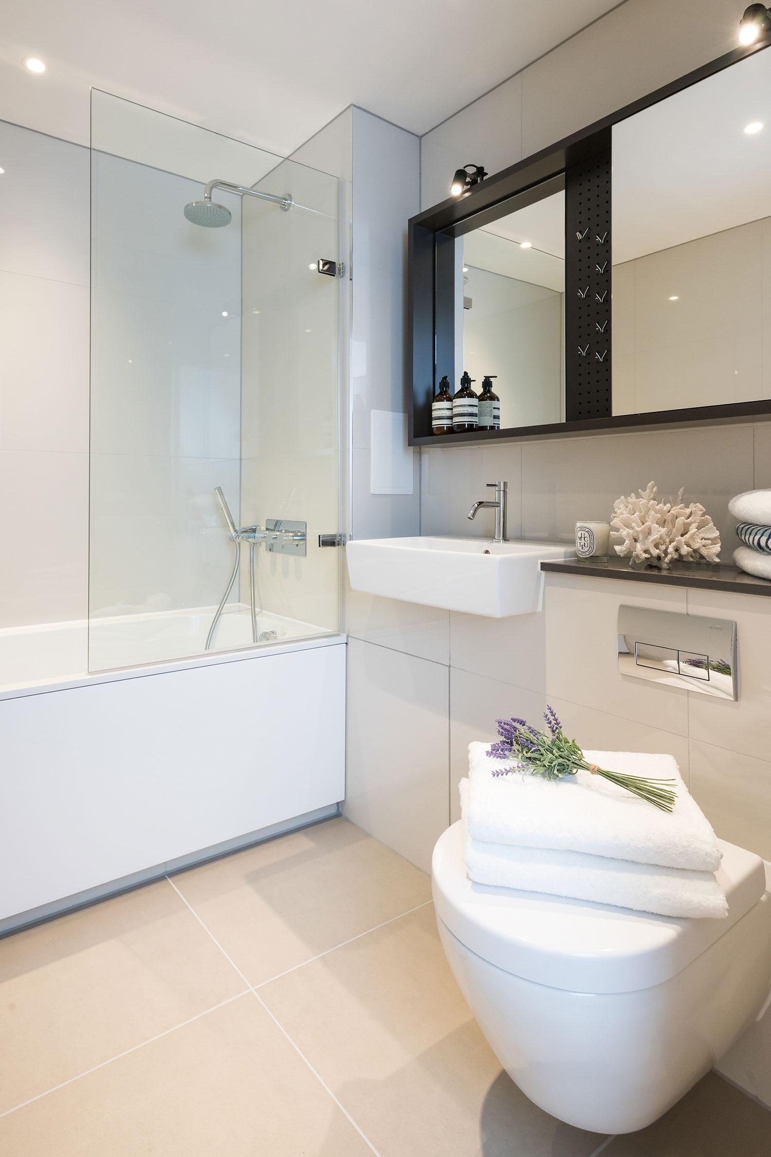 BoxNine7_City_Wharf_046_Bathroom.jpg