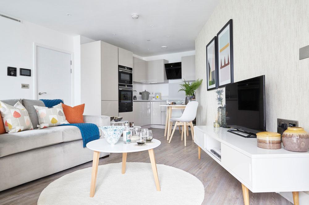 BoxNine7_Aldgate_Place_003_Living_Room_Entrance_Area_Sitting_Room_Dining_Area_Kitchen.jpg