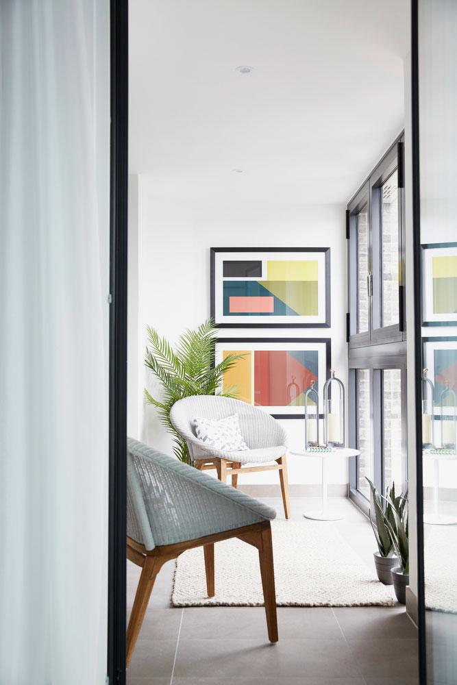 BoxNine7_Aldgate_Place_010_Living_Room_Entrance_Area_Sitting_Room.jpg