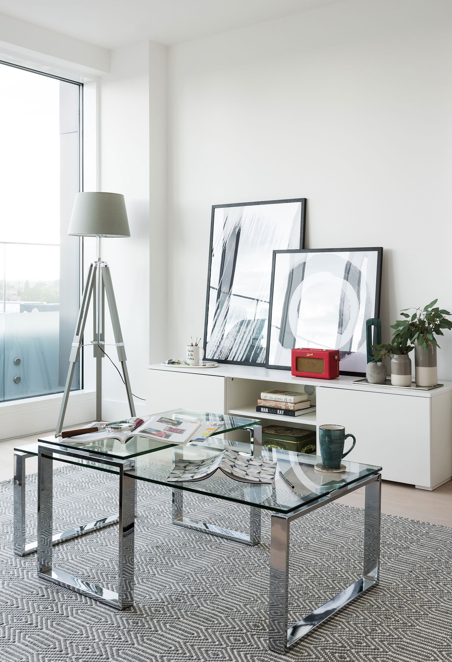 BoxNine7_Fulham_Riverside002_Living_Room_Entrance_Area_Sitting_Room.jpg
