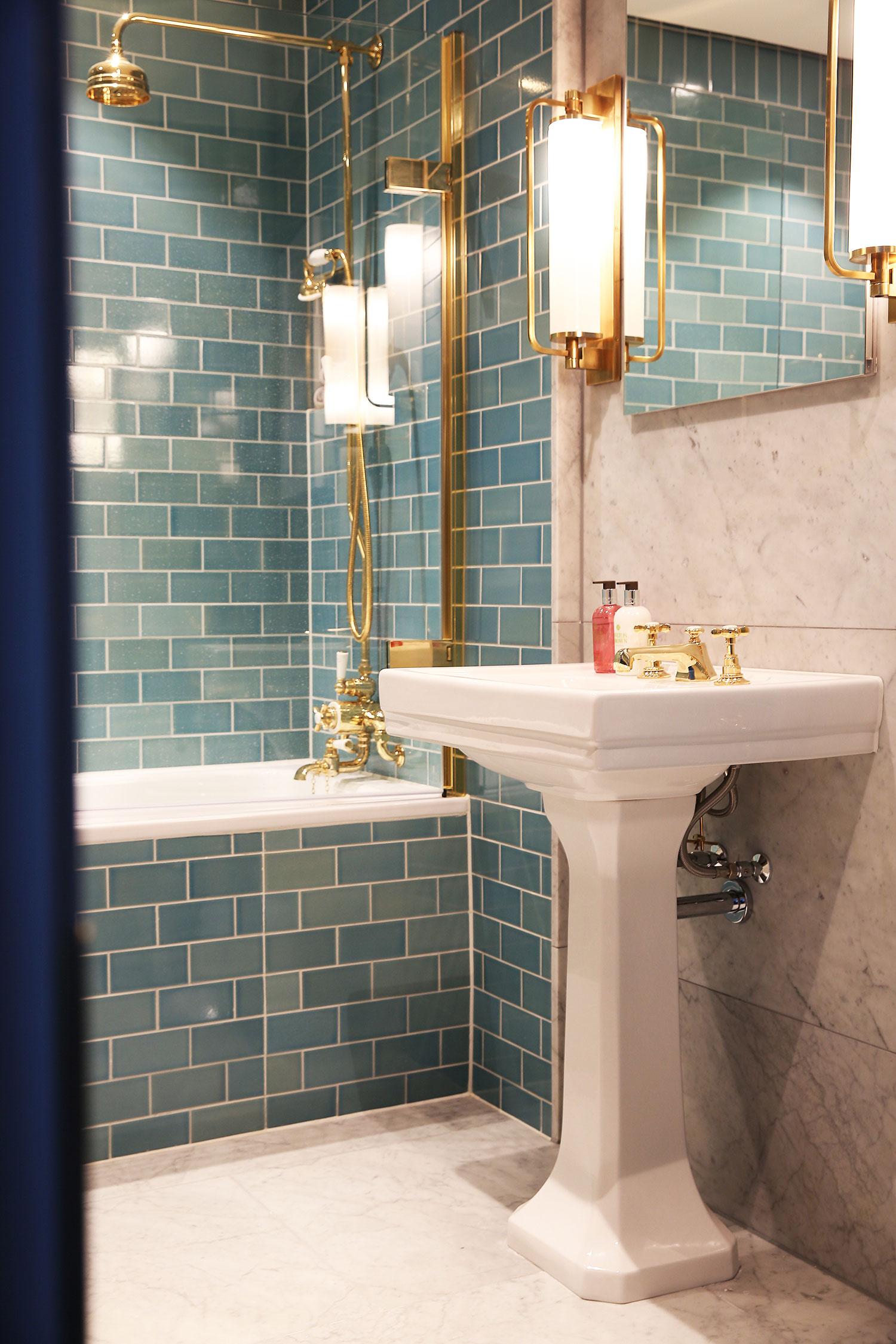 BoxNine7_Victoria_Street_023_Bathroom.jpg