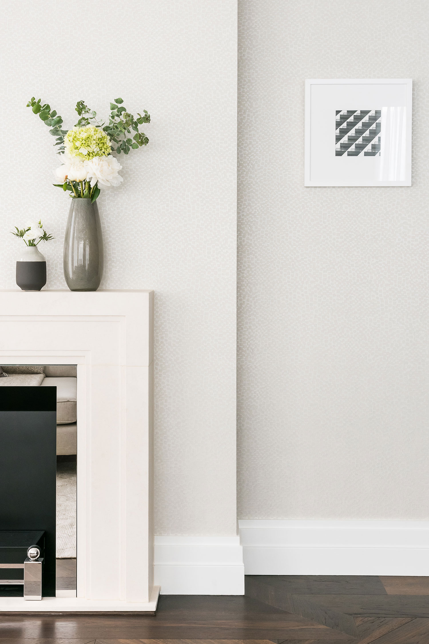 BoxNine7_190_Strand004_Living_Room_Entrance_Area_Sitting_Room.jpg