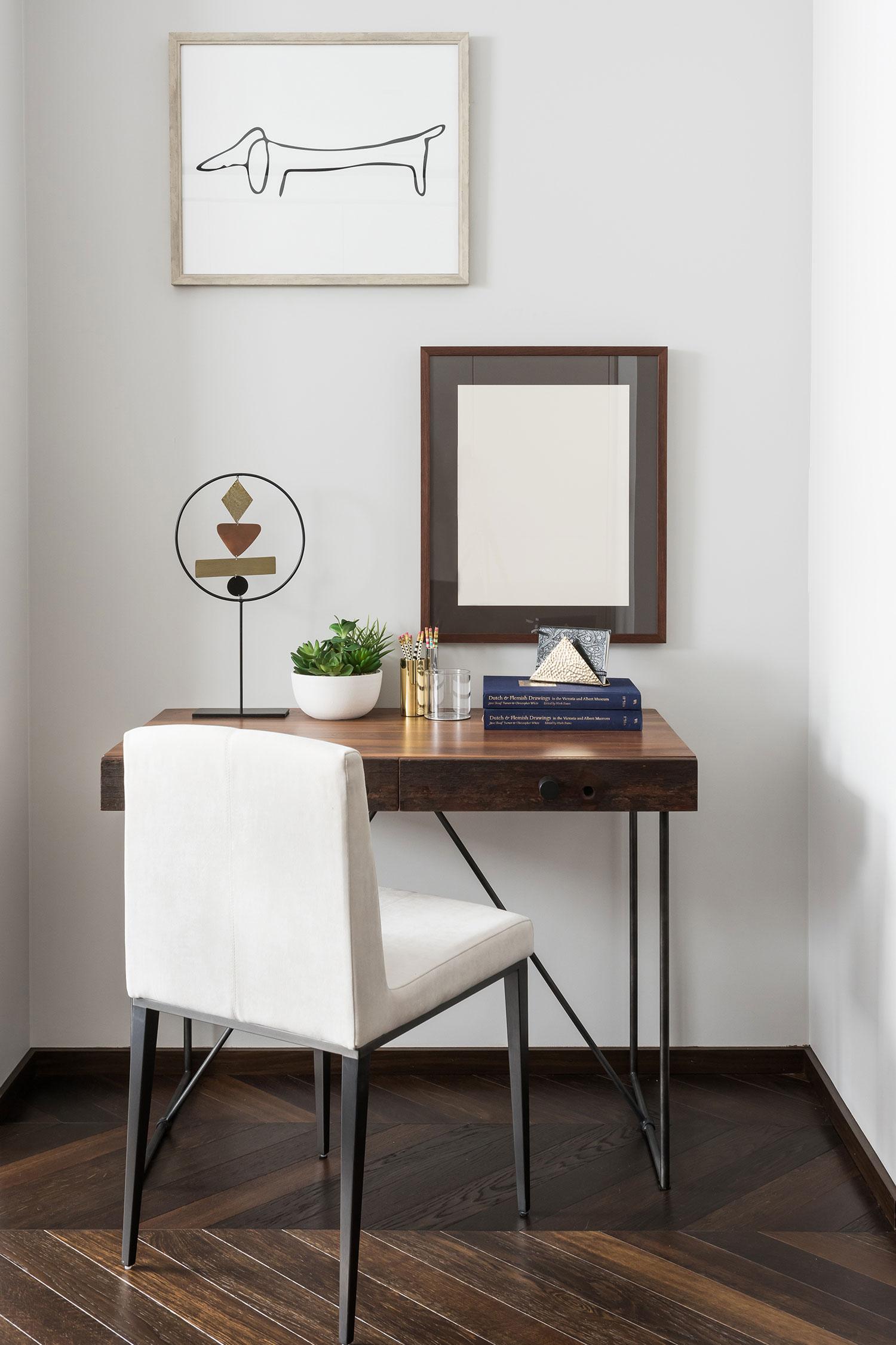 BoxNine7_Colyer_009__Living_Room_Entrance_Area_Sitting_Room.jpg
