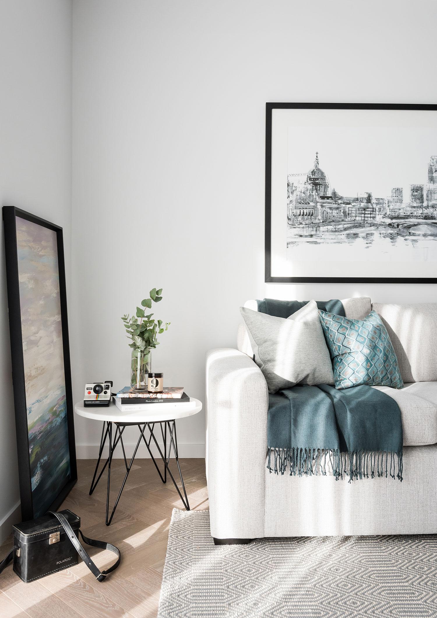BoxNine7_Battersea_Power_Station_03_Living_Room_Entrance_Area_Sitting_Room.jpg