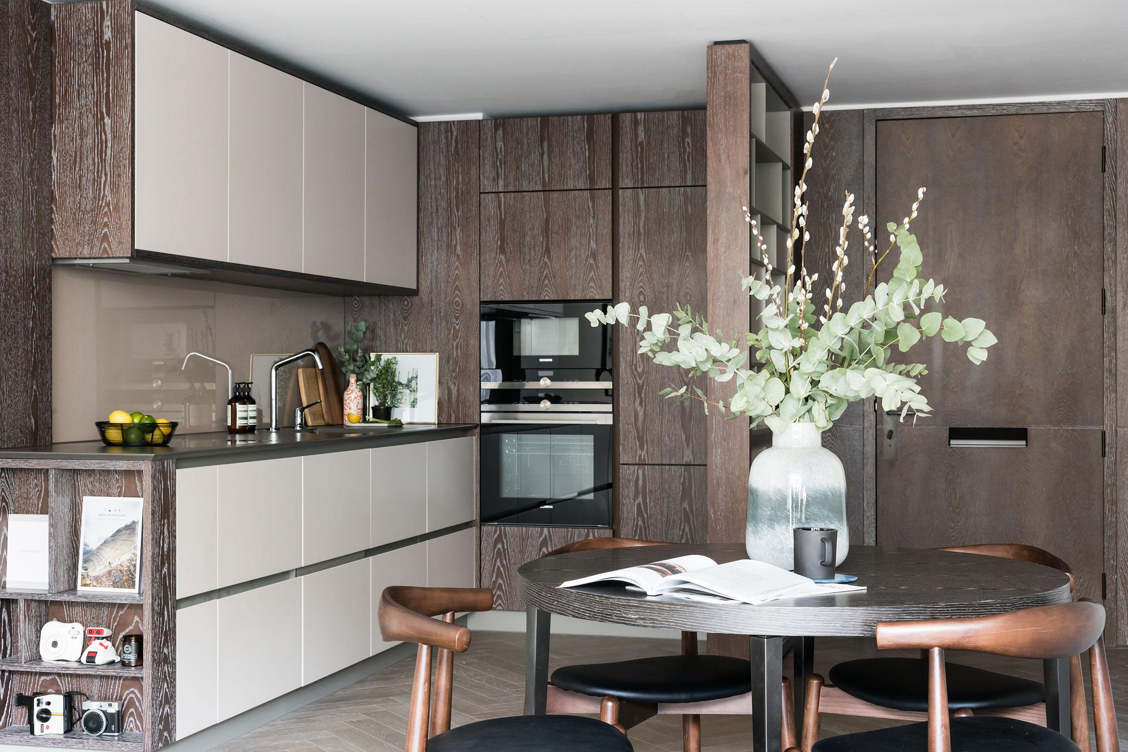 BoxNine7_Battersea_Power_Station_14_Kitchen_Dining_Room.jpg