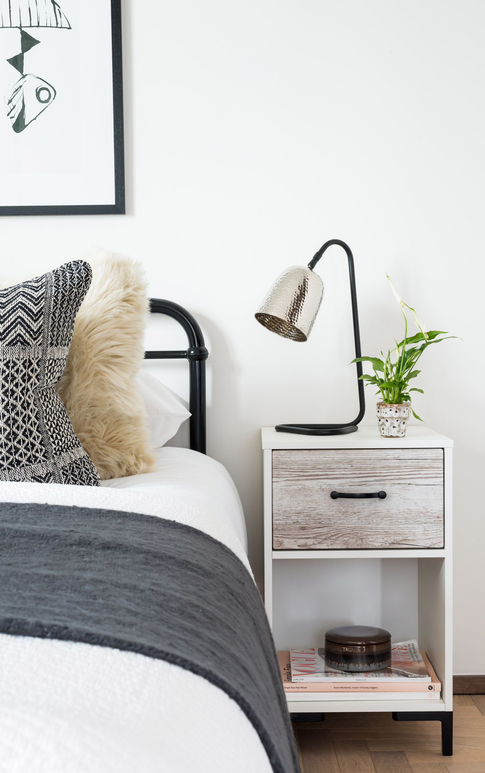 BoxNine7_Mosse_20_Bedroom.jpg