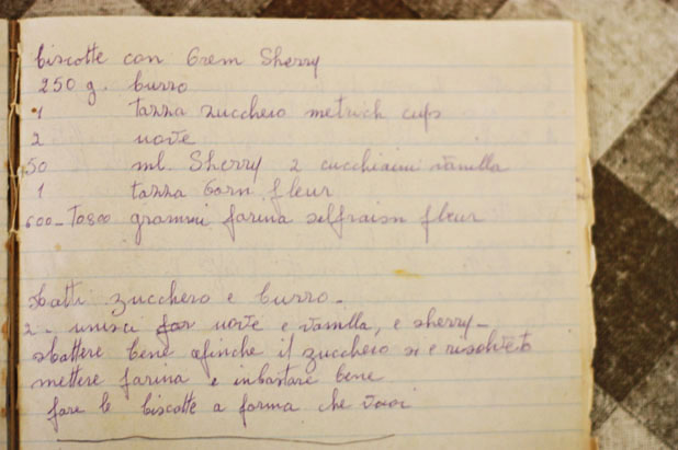 Her origional recipe in her curled and precise handwritten Italian.
