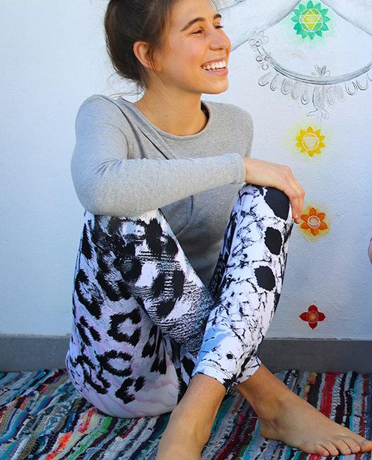 shakti-shanti-yoga-leggings.jpg