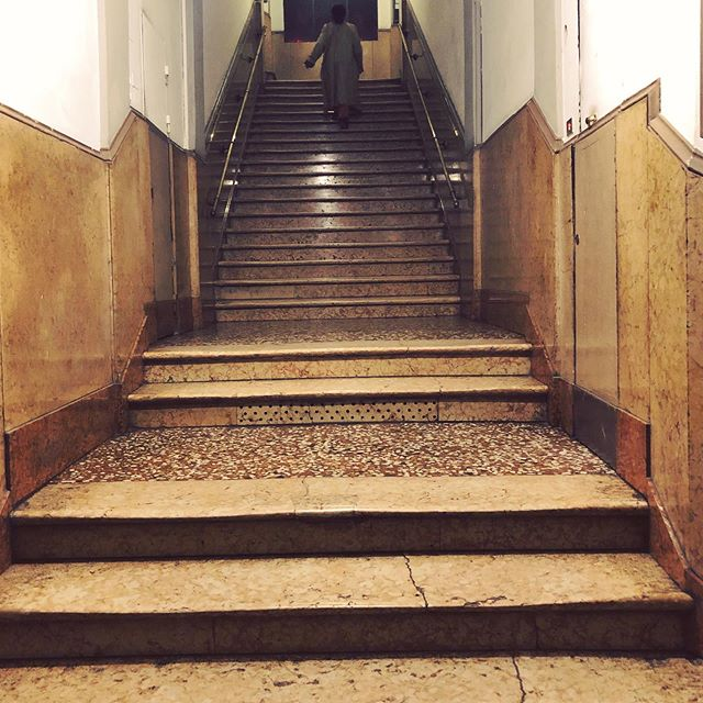 'Meet me in the hallway'⠀ ~Harry Styles  #tbt