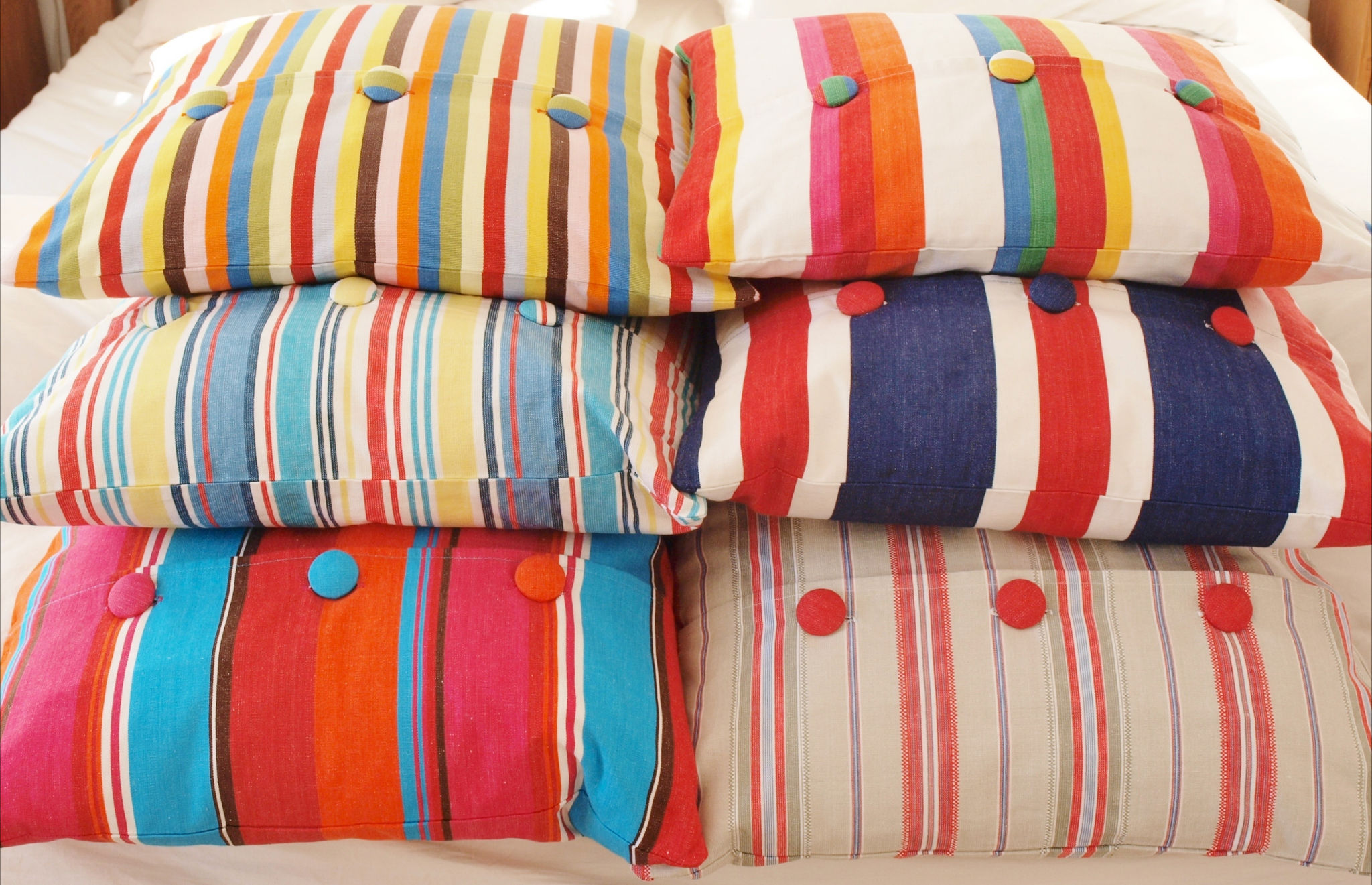 Cushions in various sizes. All cushions are filled with Duck down feathers