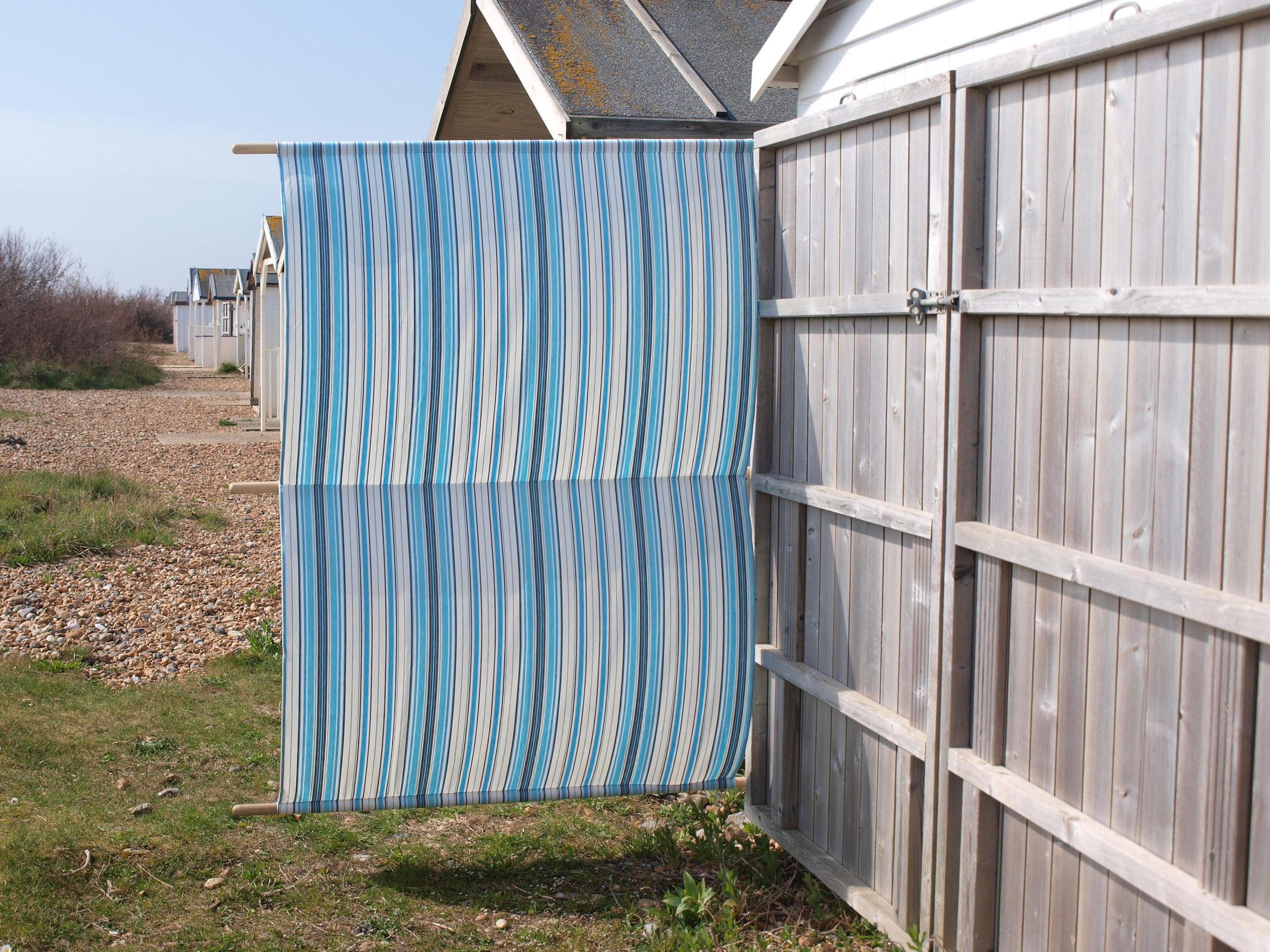 Hazydaze Beach Hut windbreak in 'Seaside'
