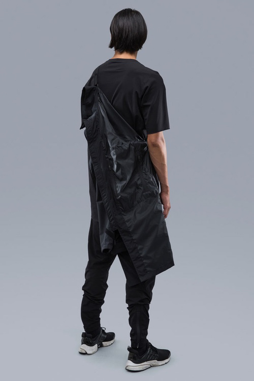 acronym-spring-summer-2017-lookbook-13-of-47.jpg