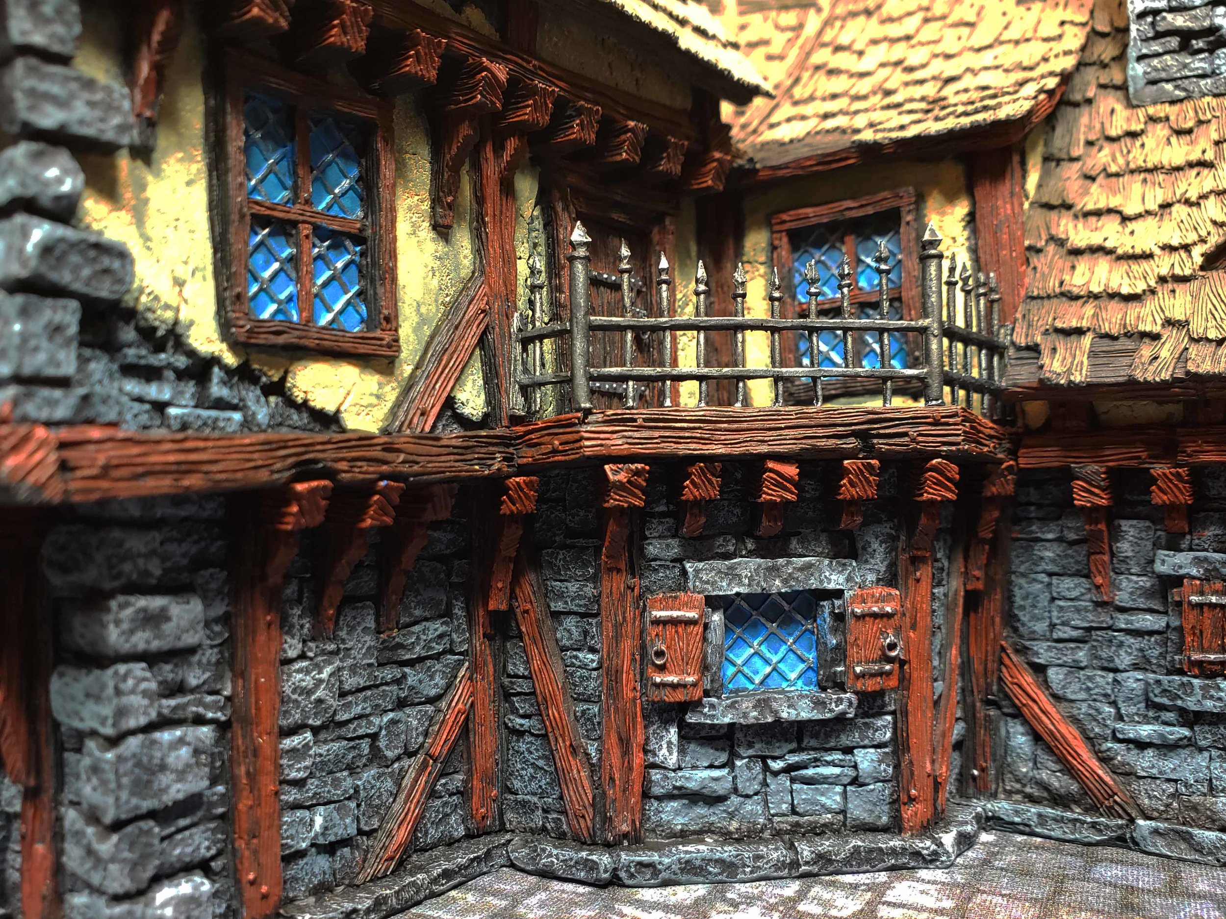 A great little balcony for any miniature with strong convictions to disseminate their point of view.