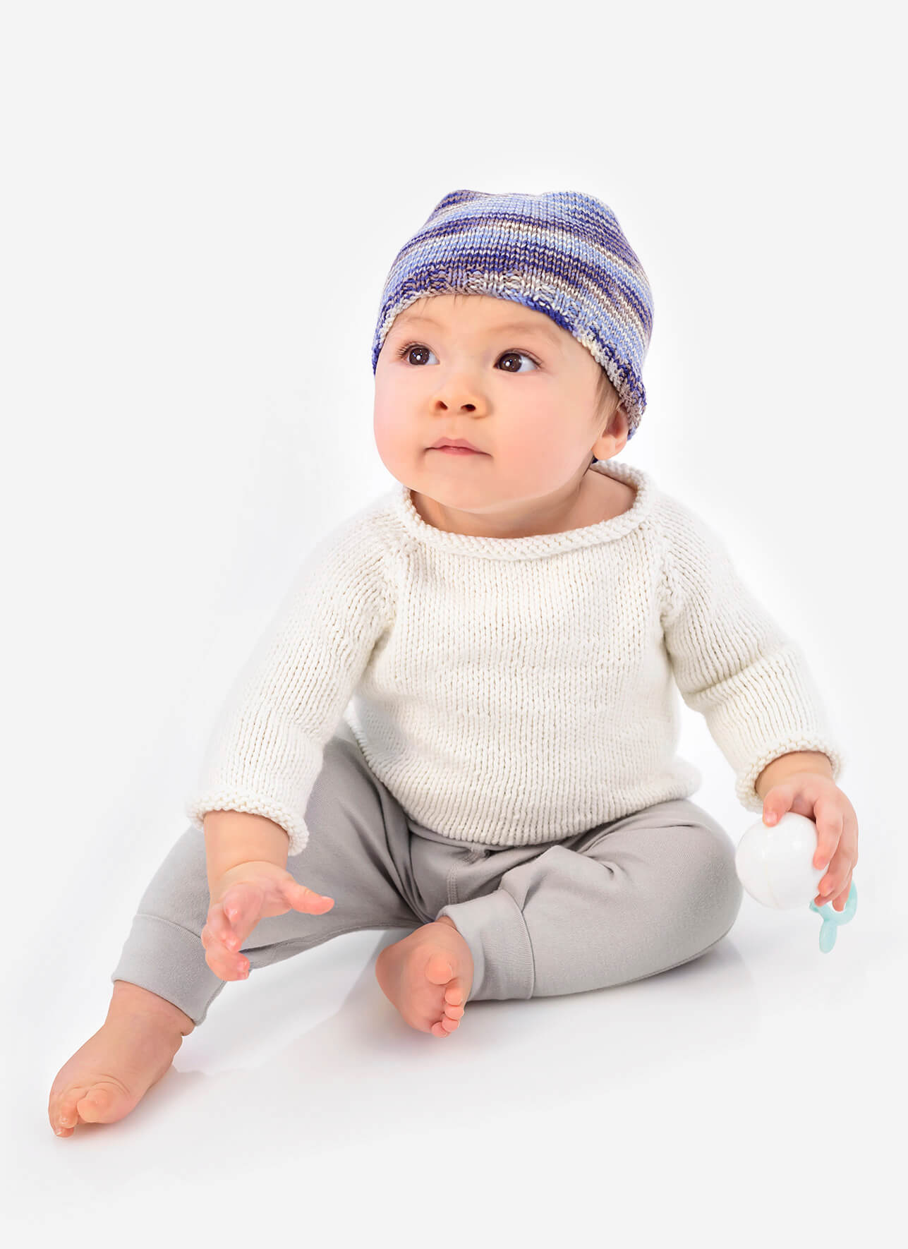 <strong>Pint Size Pullover and Hat</strong><br>.<br>.