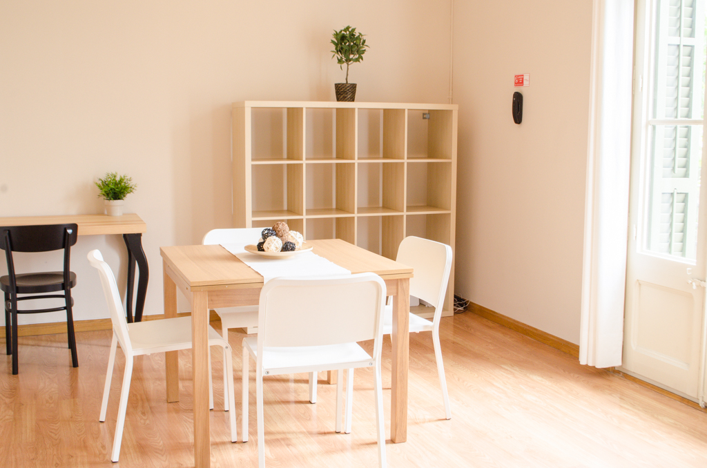 Dining room, student apartment Barcelona