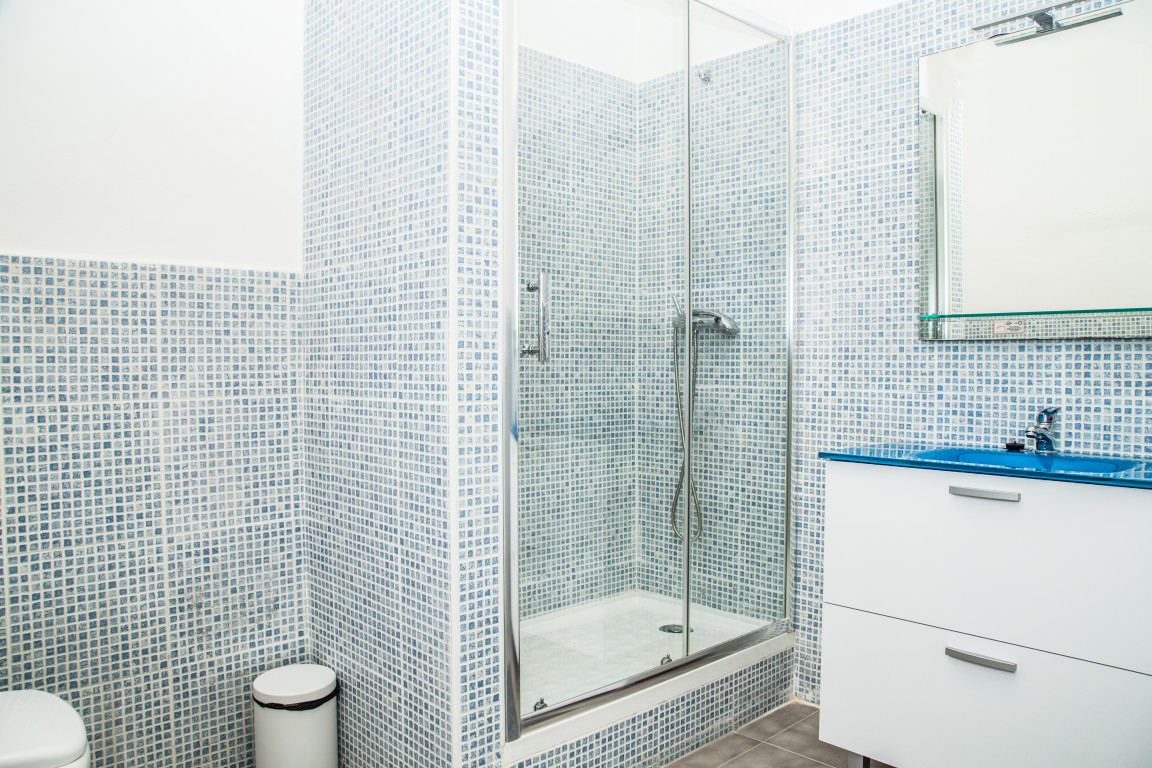 Bathroom, student apartment Barcelona