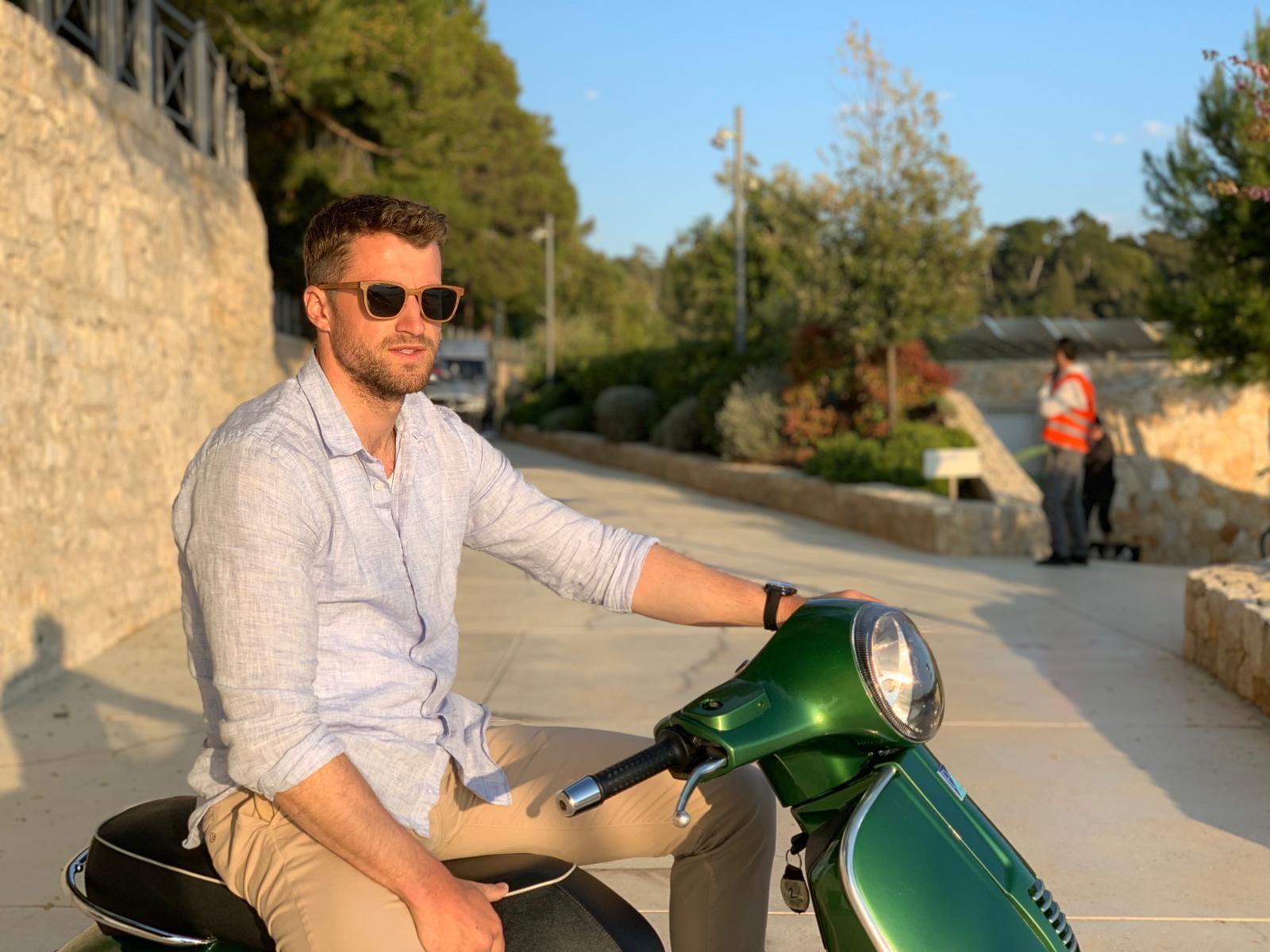 Image: Ryan Reynolds Stunt Double Jonny James wearing Jabrock Luxury Eyewear  Smile - Green  onset of The Hitman's Wife's Bodyguard