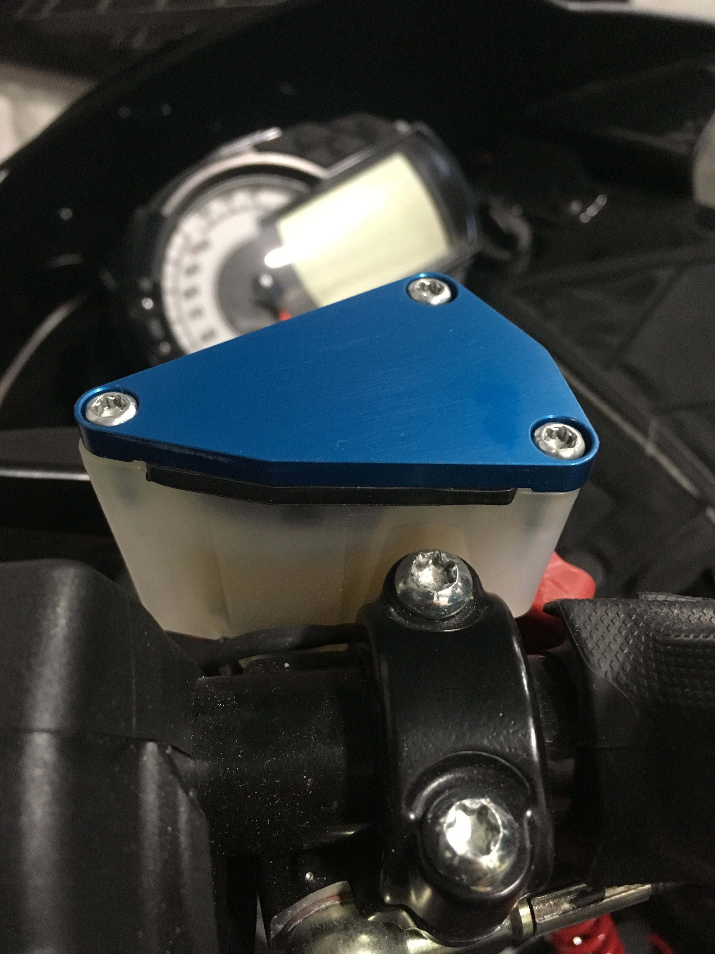 Hayes master cylinder cover -