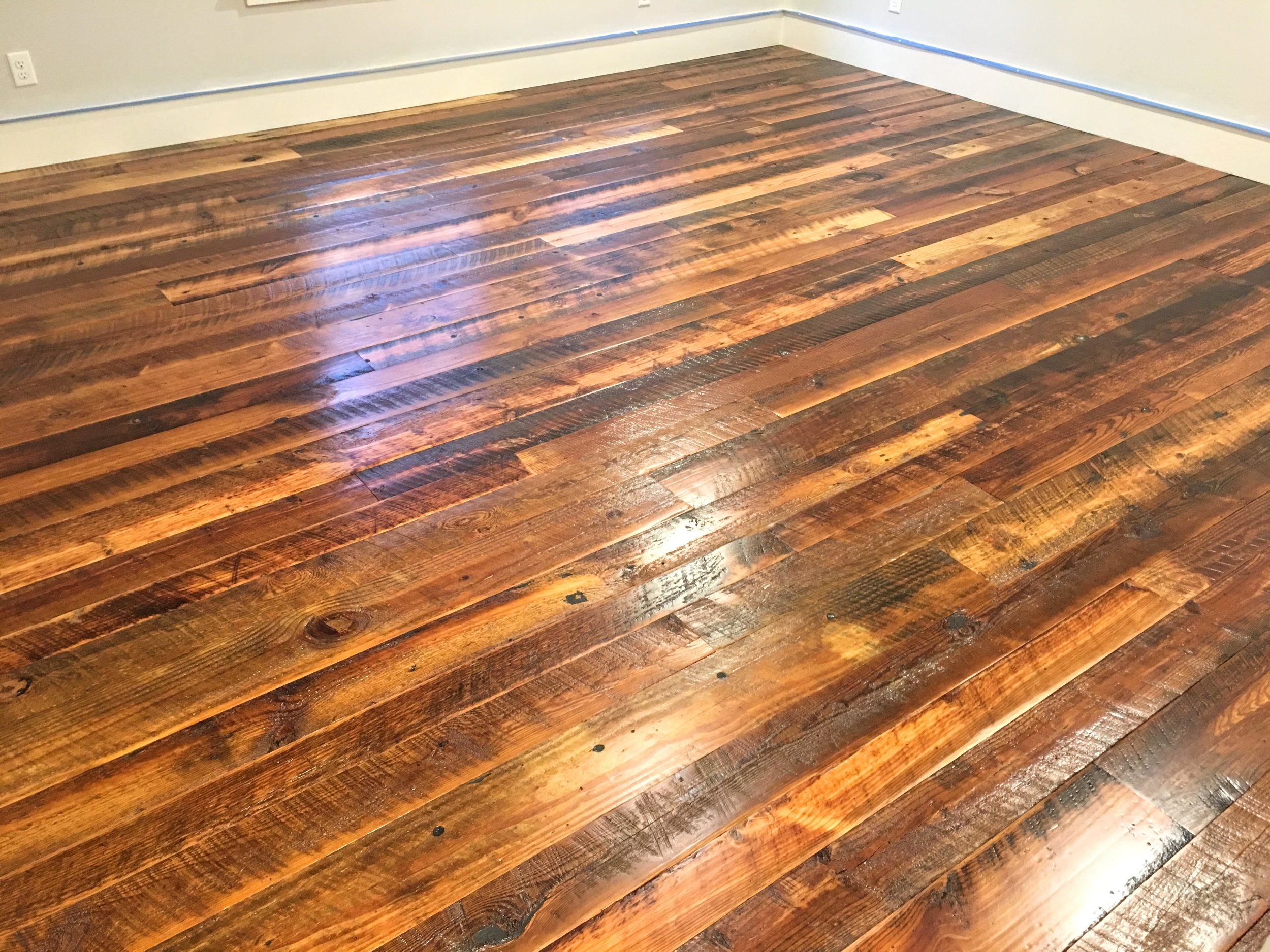 ANTIQUE HEART PINE | DIRTY TOP