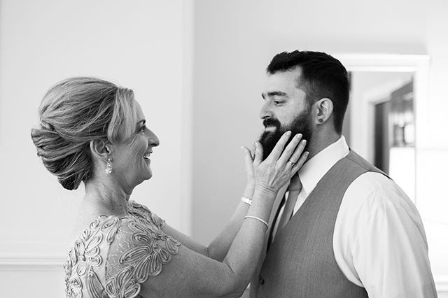 The beard passes muster with Mom. #documentaryweddingphotography #documentaryweddingphotographer #weddingphotography #weddingphotojournalism #weddingphotojournalist #nikon #beards #beardsofinstagram #weddingphotographer #wedding #weddings #motherofthegroom