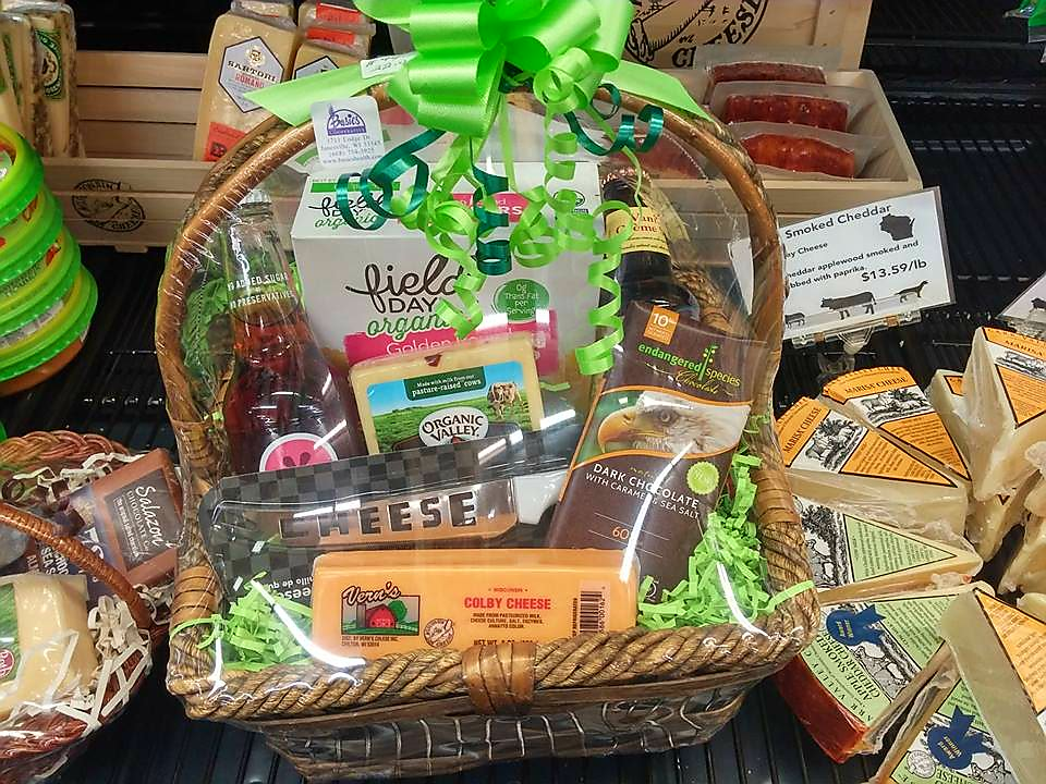 WI Cheese Gift Basket 2016.jpg