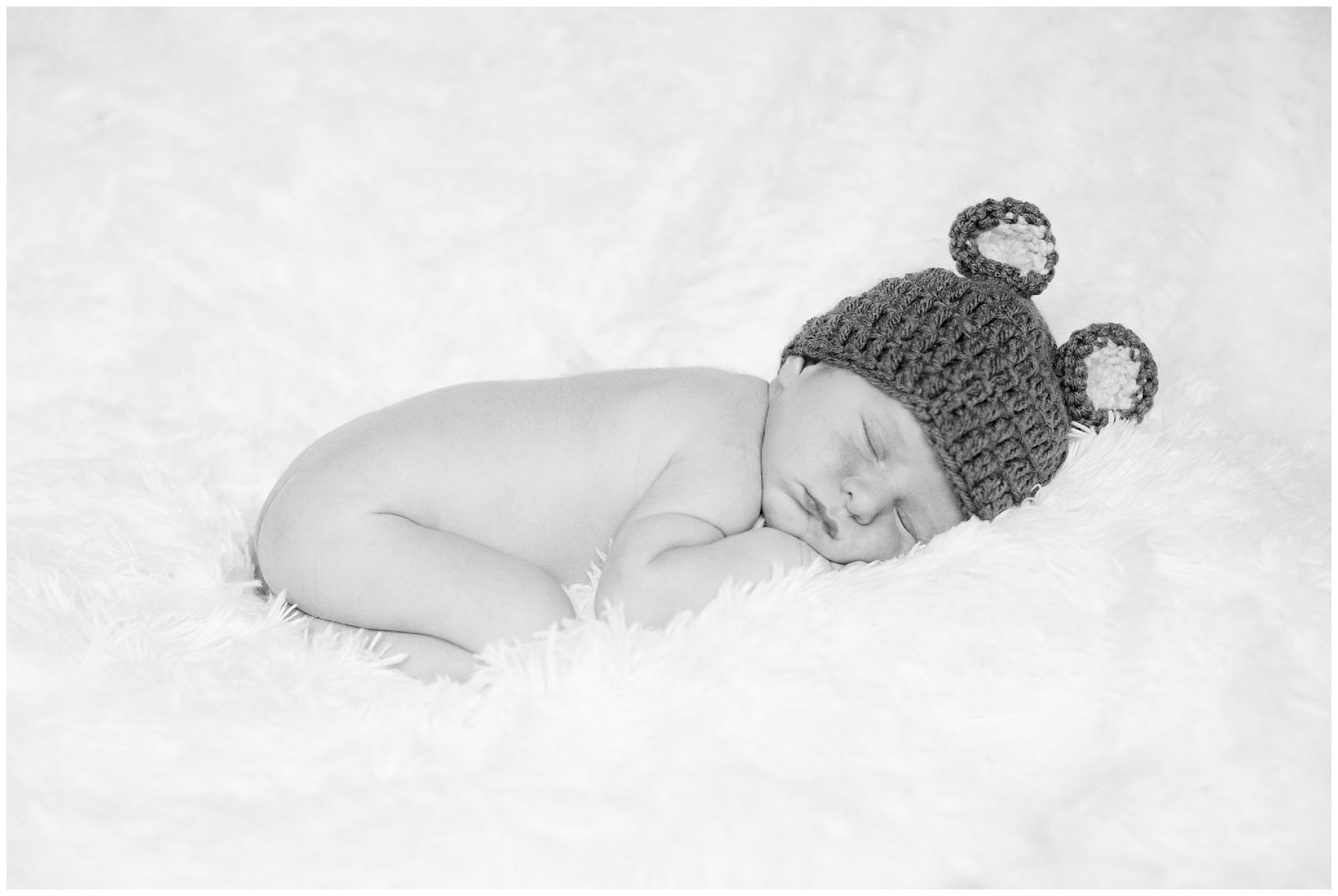 Bottaro_family_newborn_0018.jpg