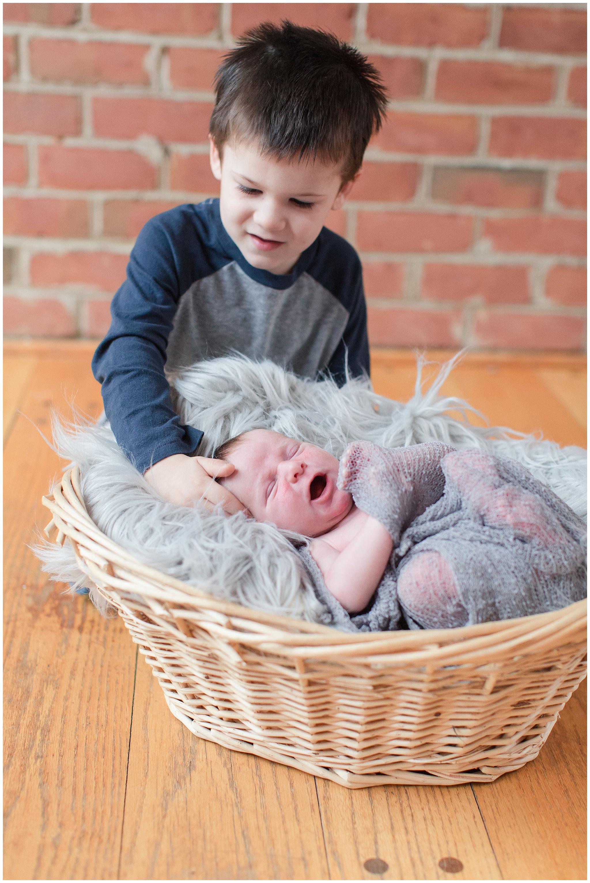 Bottaro_family_newborn_0021.jpg