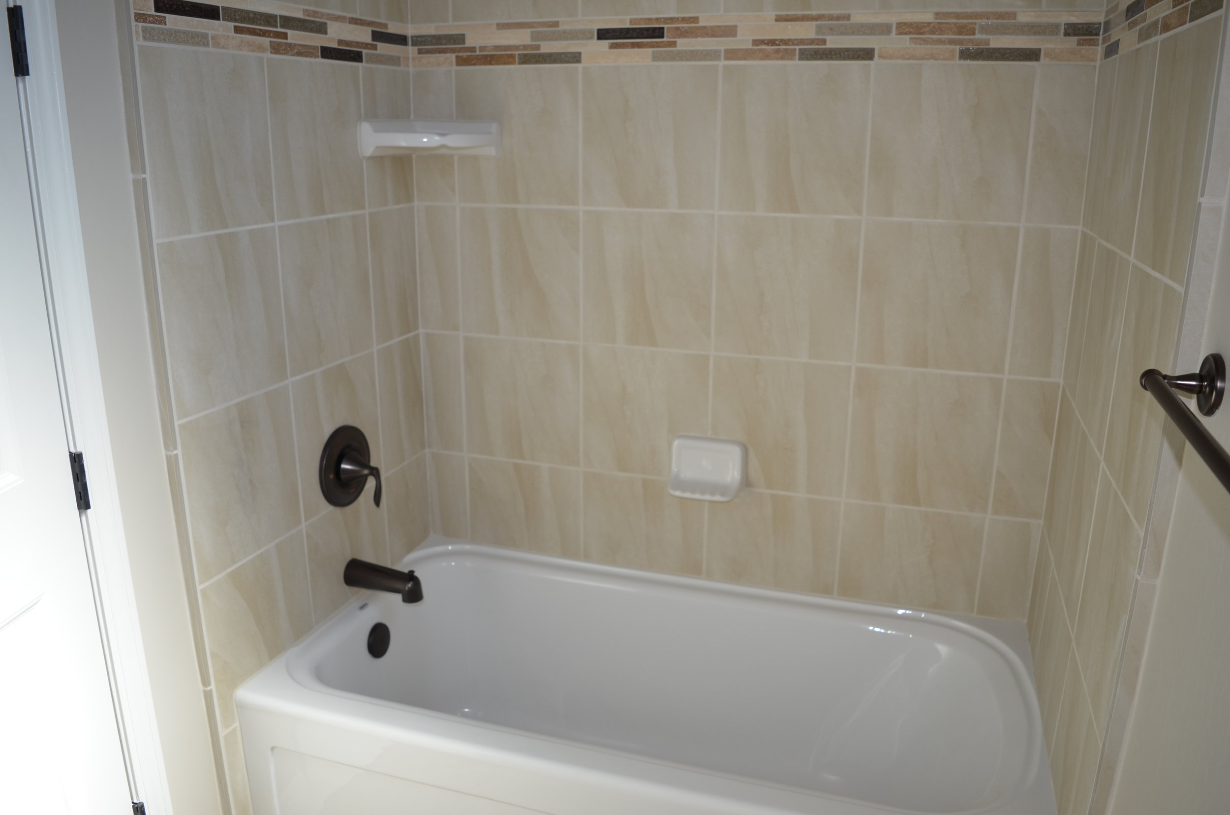 22 - Bathroom 3.JPG