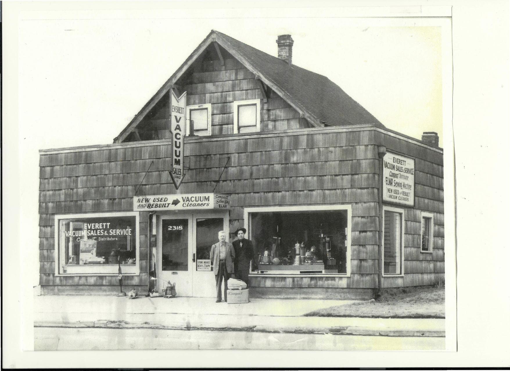 Everett Vacuum Store in 1944